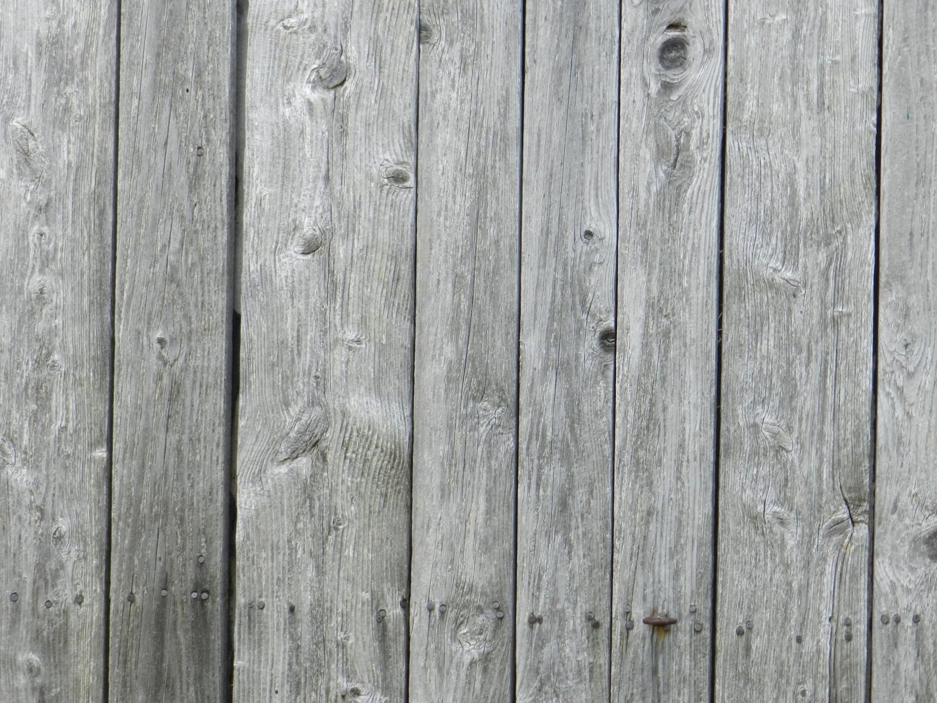 Holz entgrauen